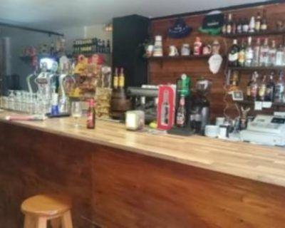 Licencia de apertura de un bar en Premia de mar.