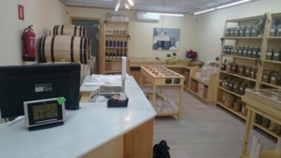 Licencia de actividad tienda alimentacion en molins de rei for Diferencia entre licencia de apertura y licencia de actividad