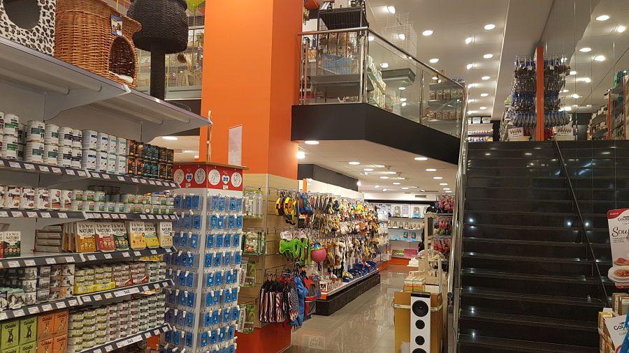 licencia actividad tienda mascotas barcelona