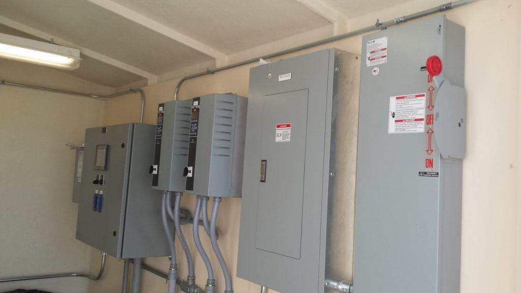 Proyectos eléctricos para comunidades